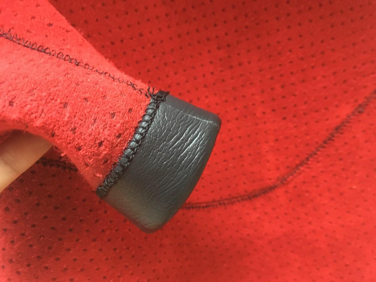 MELLOW(メロー)ウェットスーツのセミドライは手首リブ加工