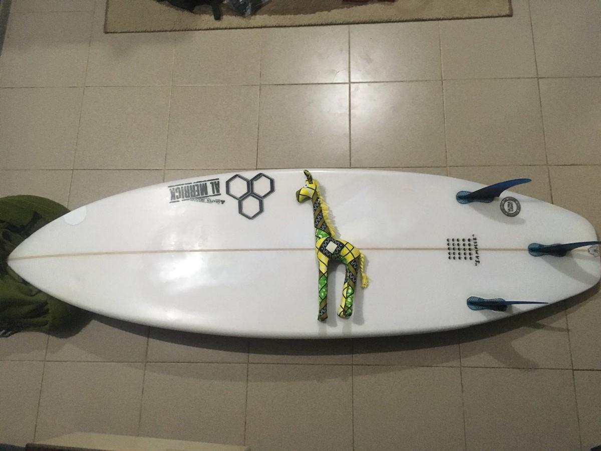 小波用サーフボードのアルメリック「Sampler」